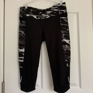 Athleta Workout Capri size S